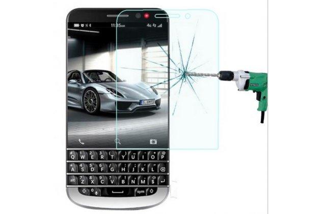 Защитное закалённое противоударное стекло премиум-класса из качественного японского материала с олеофобным покрытием для blackberry q20 classic