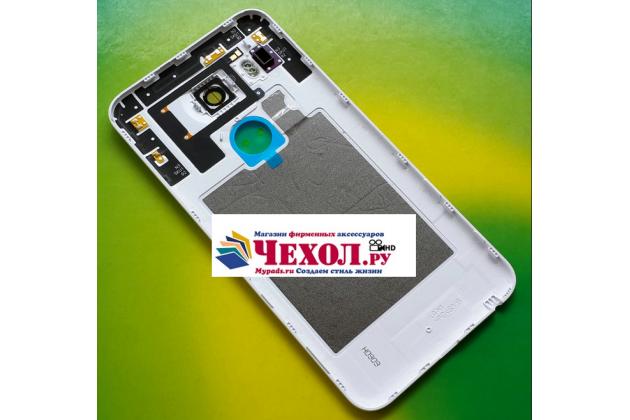 Родная задняя крышка-панель которая шла в комплекте для lg google nexus 5x белая