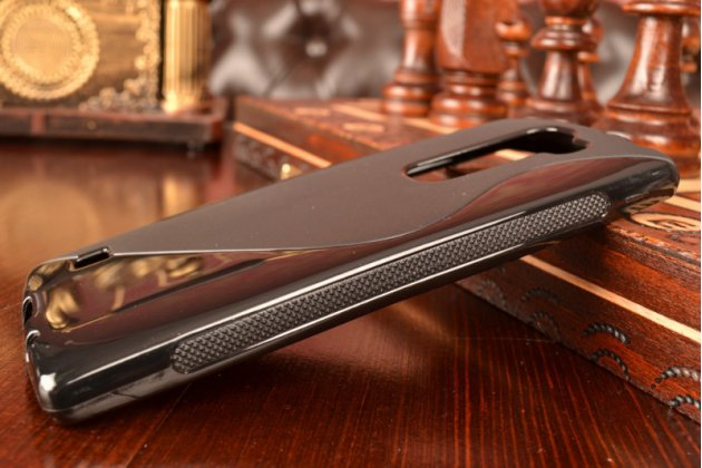 Ультра-тонкая полимерная из мягкого качественного силикона задняя панель-чехол-накладка для lg magna h502  черная