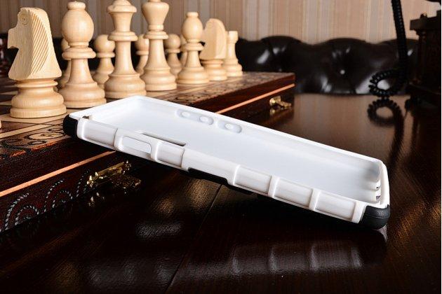 Противоударный усиленный ударопрочный чехол-бампер-пенал для oneplus 2 (two) a2001 белый