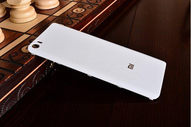Родная задняя крышка-панель которая шла в комплекте для xiaomi mi5 белая