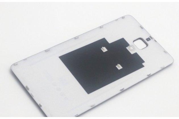 Родная задняя крышка-панель которая шла в комплекте для xiaomi mi4 белая