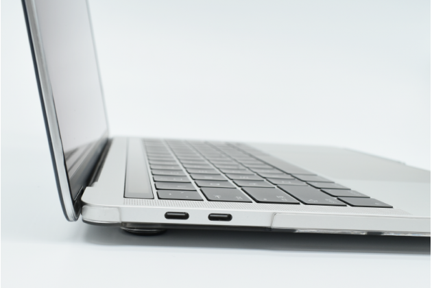 Ультра-тонкий пластиковый чехол-футляр-кейс для apple macbook air 13 early 2015 ( mjve2 / mjvg2) 13.3 / apple macbook air 13 early 2014( md760 / md761) 13.3. цвет в ассортименте.