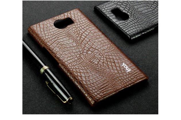 Роскошная задняя панель-крышка обтянутая импортной кожей c дизайном под кожу крокодила для blackberry priv коричневая