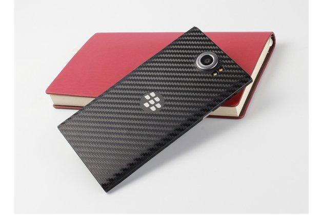 """Защитная пленка-наклейка с 3d рисунком с матовой отделкой """"под карбон"""" на твёрдой основе, ударопрочная, которая не увеличивает телефон в размерах для телефона blackberry priv черная"""