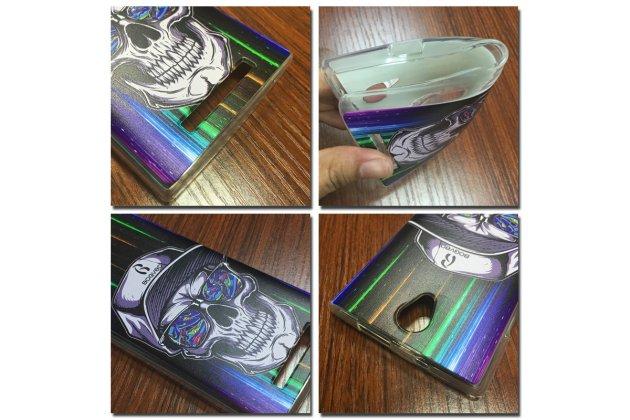 """Задняя панель-крышка-накладка из тончайшего силикона для wileyfox swift с объёмным 3d рисунком тематика """"космический череп"""""""
