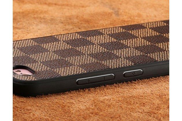 """Ультра-тонкая полимерная из мягкого качественного силикона задняя панель-чехол-накладка для sony xperia x / x dual 5.0"""" (f5121 / f5122) в клетку коричневая"""