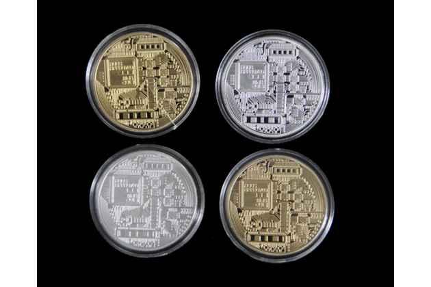 Подарочный полный набор коллекционных сувенирных монет bitcoin всех цветов.