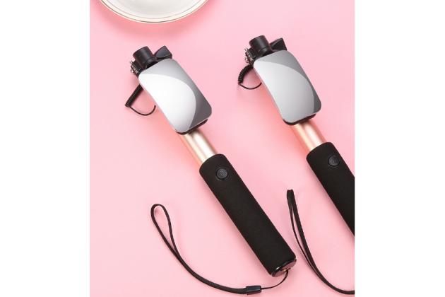 Проводная (не требует подзарядки) селфи-палка/монопод для сэлфи со встроенным зеркальцем и кнопкой спуска серебристого цвета + гарантия